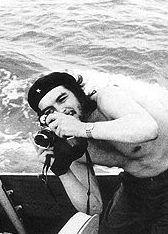 che guevara with a camera ... Yep! He's a Lynch, too!  Ernesto Guevara De La Serna y Lynch, the full name of Che Guevara
