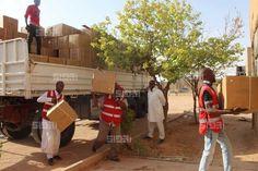 قافلة إغاثة من الهلال الأحمر بالزنتان لنازحي أوباري