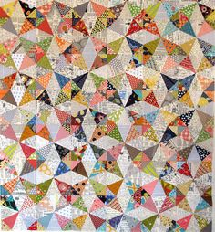 My new Kaleidoscope quilt - using foundation papers Circle Quilts, Star Quilts, Quilt Blocks, Scrappy Quilts, Hexagon Quilt, Quilting Tutorials, Quilting Projects, Quilting Designs, Kaleidoscope Quilt