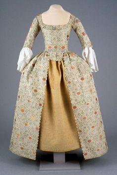 Woman's gown, Anna Maria Garthwaite, 1775-1785.