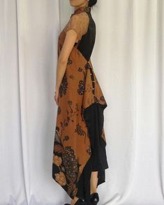 Blouse Batik, Batik Dress, Batik Kebaya, Model Kebaya Modern, Black Women Fashion, Womens Fashion, Batik Fashion, Womens Dress Suits, Spring Outfits Women