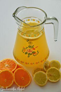 Sommerlimonade (Orangensaft, Zitrone, Limone, Zucker, Mineral)