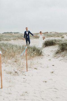 Strandhochzeit von Alina Atzler - Lieschen heiratet Holland, Couple Photos, Couples, Inspiration, Weddings, Pictures, Wedding Morning, Wedding On The Beach, Marriage Anniversary