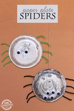 Make a quick an easy decoration with kids with these spider paper plates ~ so easy to make and too cute!