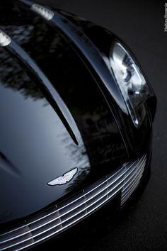 Aston Martin Vantage V8 Pure Ca Porn