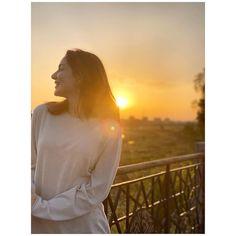 Badass Girls Quotes, Girl Quotes, Hania Amir, Stylish Dpz, Cute Girl Face, Pakistani Actress, Actors & Actresses, Cute Girls, Bollywood