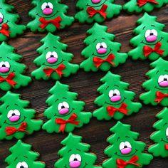 49 Ideas christmas tree decorated cookies desserts for 2019 Cute Christmas Cookies, Christmas Biscuits, Iced Cookies, Christmas Sweets, Noel Christmas, Christmas Goodies, Holiday Cookies, Christmas Baking, Decorated Christmas Cookies