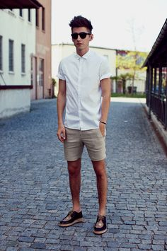 summer style: white short sleeve oxford, tan linen shorts, two-tone clarks (cork sole).