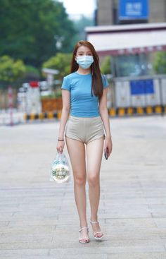 Beautiful Girl Image, Beautiful Asian Women, Girls Are Awesome, Skinny Shorts, Sexy Legs And Heels, Skinny Girls, Asia Girl, Muslim Fashion, Korean Women