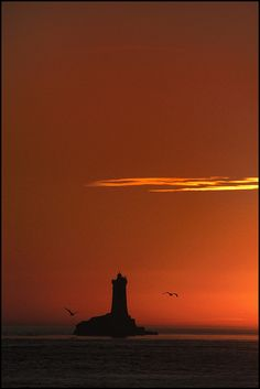 Bretagne - le phare de la vieille [EXPLORED] by philippe MANGUIN photographies, via Flickr