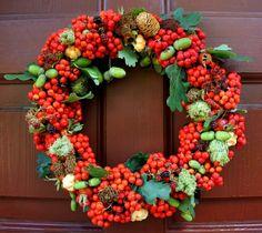 wieniec na drzwi Painted Rocks, Christmas Wreaths, Floral Wreath, Fall, Autumn, Holiday Decor, Recepta, Plants, Google