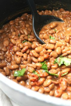 Mexican Pinto Beans - This Savory Vegan Making beans from scratch is easier than you think. Try these Mexican Pinto Beans for the most deli Pinto Beans Recipe Vegan, Mexican Beans Recipe, Mexican Pinto Beans, Pinto Bean Recipes, Mexican Food Recipes, Vegetarian Recipes, Cooking Recipes, Healthy Recipes, Ranch Beans Recipe