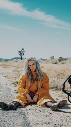 Best Billie Eilish Quotes That Will Flex Human's MindShe is the young girl and began her career with singing. Billie Eilish quotes gained lots of popularity Billie Eilish, Pretty People, Beautiful People, Lolita, Celebs, Celebrities, Mellow Yellow, Music Artists, Foto E Video