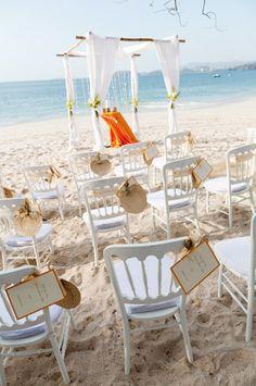 #TropicalOccasions Designs  Ceremony at Playa Conchal  Photo by El Velo