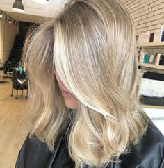 """149 Likes, 8 Comments - Balayage Influencers (@balayageinfluencers) on Instagram: """"By Balayage King @tyson.mendes.hair ⚜️⚜️ @balayageinfluencers"""""""