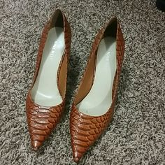 Nine West Heels Size 7 Nine West Heels. Very light scuffs on the heels. Otherwise in beautiful condition. Feel free to ask any questions! Nine West Shoes Heels