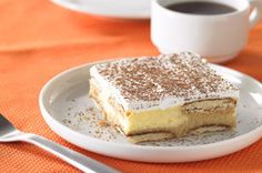 Tiramisu Cheesecake - Looking for an easy yet unforgettable mocha dessert? Try our version of tiramisu topped with a layer of creamy cheesecake. Chocolate Swirl Cheesecake, Tiramisu Cheesecake, Tiramisu Recipe, Easy Cheesecake Recipes, Cheesecake Bars, Best Dessert Recipes, Healthy Recipes, Lemon Cheesecake, Desert Recipes