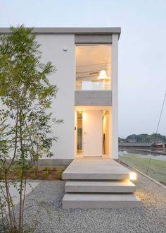 약 2억원으로 알차게 세운 실속형 콘크리트 주택 Contemporary Architecture, Interior Architecture, Fasade Design, Future House, Beautiful Front Doors, Container Buildings, Dome House, House Doors, Aesthetic Rooms