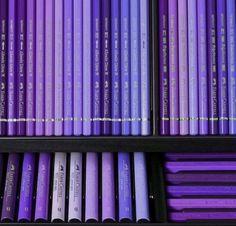 Wedding flowers purple centerpieces brides Ideas for 2019 Purple Love, Pastel Purple, All Things Purple, Shades Of Purple, Periwinkle, Purple Books, 50 Shades, Purple Hair, Violet Aesthetic