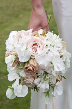 Modern Country Style: Book Review: Vintage Wedding Flowers by Vic Brotherson Click through for details.