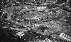 O Maracanã em 1949: um dos palcos mais famosos do futebol mundial foi construído no terreno de um dos mais antigos hipódromos da cidade, o Derby Club. Em 1932, o Derby Club e o Jockey Club uniram-se para formar o Jockey Club Brasileiro, na Gávea Foto: Museu Aeroespacial
