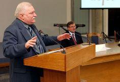 Czy Lech Wałęsa jest dla Ciebie bohaterem? Pytanie zadajemy w kontekście ogólnopolskiej dyskusji na temat przeszłości byłego prezydenta. Follow @PikioPL