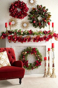 An artificial Christmas garland looks beautiful. If you want to know how to decorate a Christmas garland, check decoration ideas from the gallery below. Christmas Fireplace, Christmas Mantels, Christmas Candle, Noel Christmas, Christmas Wreaths, Christmas Crafts, Thanksgiving Wreaths, Christmas Ideas, Elegant Christmas