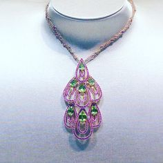 #necklace #amazing #damiani #diamonds #love #colors #diamond #sparkling #art #design #jewelry #luxury #instajewelry #light #jewels #luxurylife #passion #jewel #jewelgasm #shadow #gold #pink #sapphire #green #peridot #fall #bologna