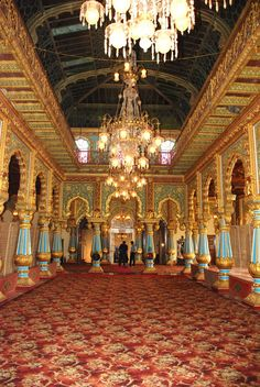 Private Durbar at Mysore Palace. Indian Temple Architecture, India Architecture, Beautiful Architecture, Ancient Architecture, Architecture Photo, Mysore Palace, Palace Interior, History Of India, Mughal Empire