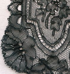 Handmade CHANTILLY bobbin lace LAPPETS COLLECTOR Mid 19th C. CW Lace Making, Chantilly Lace, Bobbin Lace, Tatting, France, Costumes, Detail, Pictures, Handmade