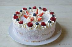 Tort cu mascarpone, lapte condensat și fructe: căpșuni, zmeură, afine - fără coacere | Savori Urbane Mousse, Food To Make, Fondant, Avocado, Cheesecake, Food And Drink, Ice Cream, Cupcakes, Sweet