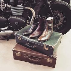 #DECO #VINTAGE #VALISES #OLD #MOTO #BAAK #SHOES #PETESORENSEN #SHOPPING #LYON #POPANDSHOES #CONCEPTSTORE