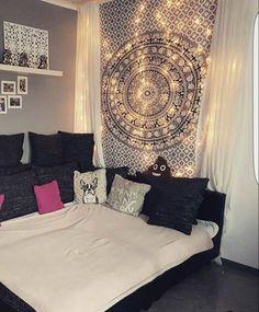 Indische Tagesdecken und Wandtuecher als Wandbehang, Überwurf, Dekoration für Zuhause, Goa Partys und Festivals. 100% Baumwolle. Einzel- und Großhandel.