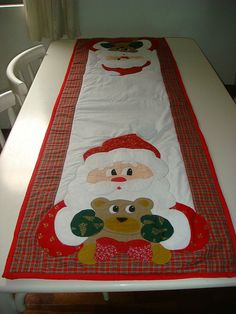 Christmas Nail Art, Merry Christmas, Xmas, Table Runner Pattern, Table Runners, Wool Felt, Quilts, Holiday Decor, Projects
