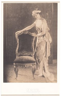 Citation: Gertrude Vanderbilt Whitney, ca. 1913 / Adolf De Meyer, photographer. Gertrude Vanderbilt Whitney papers, Archives of American Art, Smithsonian Institution.