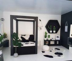 Ikzelf heerlijk bezig geweest in mijn eigen poppenhuis 😊 #moderndollhouse #monochrome #poppenhuis #moderndollshousereno