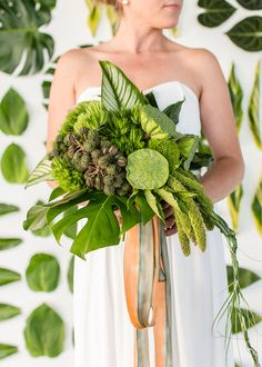 All green bouquet   Photo by Jessica Lynne Photography