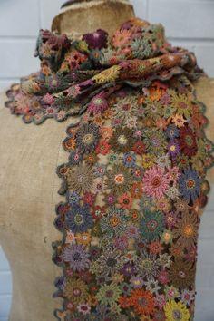 Crochet flowers 495325659010306501 - Sophie Digard crochet Source by vroniquestapf Poncho Crochet, Crochet Flower Scarf, Crochet Flower Patterns, Freeform Crochet, Crochet Motif, Irish Crochet, Crochet Yarn, Crochet Flowers, Crochet Stitches