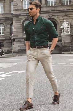 Best Business Casual Outfits, Business Casual For Men, Stylish Outfits For Men, Mens Smart Outfits, Mens Smart Casual Outfits, Summer Business Attire, Mens Casual Suits, Classy Suits, Business Style