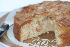 Amish Friendship Bread Apple Flax Cake ♥ friendshipbreadkitchen.com