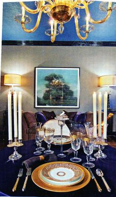 Charles Farruggio's Marriage Proposal Celebration dining room in the Holiday House Designer Showcase - Traditional Home Magazine Elegant Dining Room, Dining Room Design, Taupe Walls, Neutral Walls, Traditional Home Magazine, Blue Ceilings, Colored Ceiling, Living Styles, White Decor