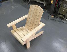 Maak je eigen tuinstoel   Stappenplan Outdoor Furniture Plans, Rustic Furniture, Adirondack Chairs, Outdoor Chairs, Outdoor Decor, Barn Parties, Rustic Chair, Woodworking, Interior