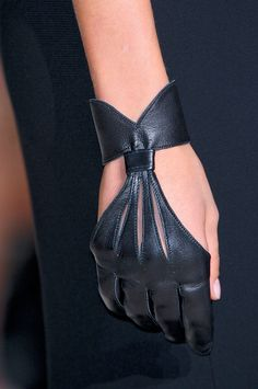 Gorgeous black leather gloves. I want these.