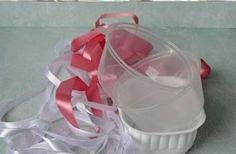 20 idee con tutorial per la tua Pasqua riciclando vaschette di plastica e non solo.