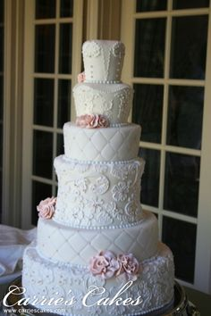 http://www.carriescakes.com/images/cakes/938-Michealah_resized.jpg