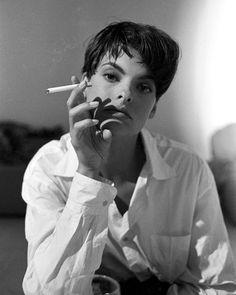 Film Noir Photos: Modern Femmes Fatale Linda Evangelista, 1989