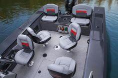 "2014 Tracker® Targa™ V-18 Combo - Wide 102"" (2.59 m) beam for more interior room. Wide 88"" (2.24 m) bottom for more stability & Marine-grade vinyl cockpit floor covering http://www.exclusiveautomarine.com/product/targa-v-18-combo"