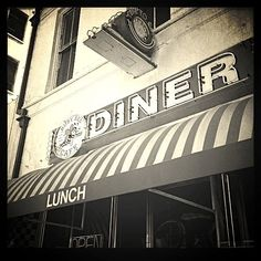 Ventura Diner - BUSY BEE!!! Loved this place growing up :)
