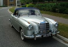 1958 Mercedes 220 S. Mercedes 220, Mercedes Convertible, Old Fashioned Cars, Classic Mercedes, Cabriolet, Rolls Royce, Cadillac, Cars Motorcycles, Vintage Cars