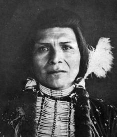 Peo Peo Tholekt (Bird Alighting), a Nez Perce warrior who helped capture the mountain howitzer at the Battle of the Big Hole (9-10 Aug. 1877). He fought with distinction in every battle of the Nez Perce War, was wounded in the Battle of Camas Creek (20 Aug. 1877).